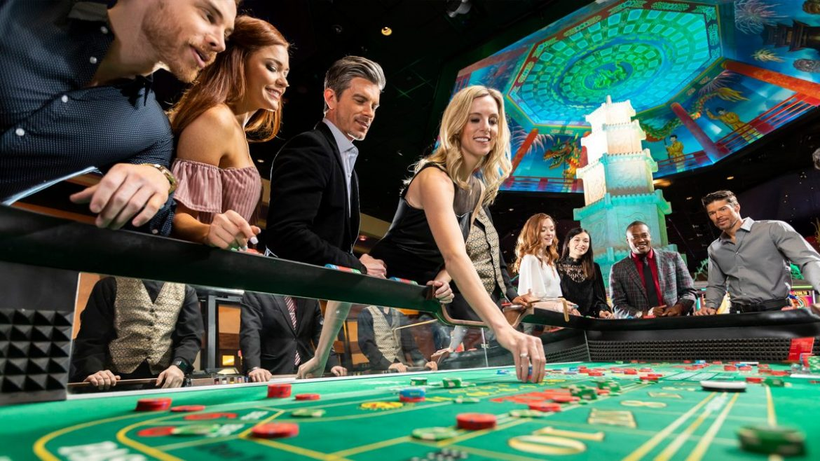 Play with peculiar poker games to hit your target easily